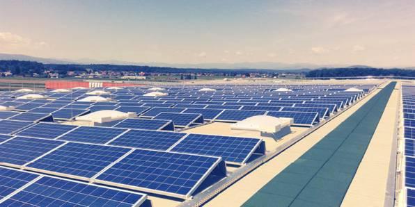 PV-Anlage auf dem Dach des Logistikzentrums in Wundschuh